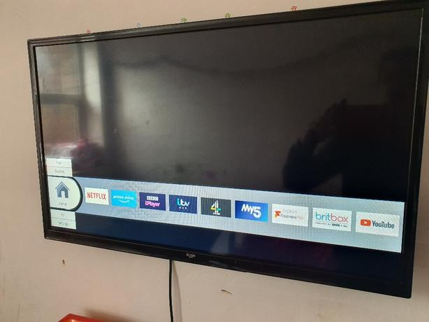 Bush 32inch smart TV