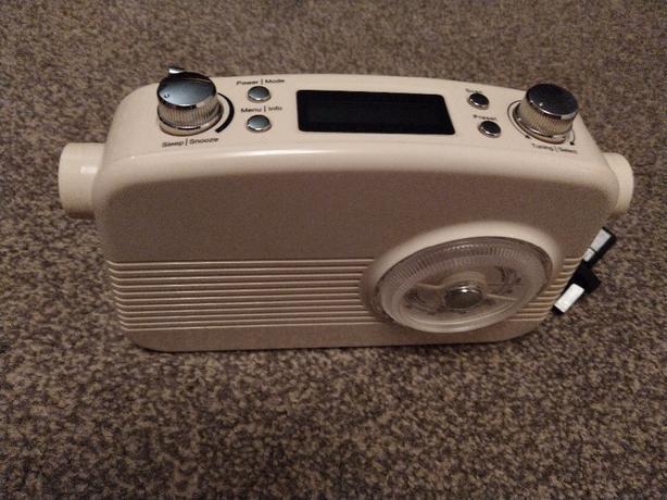 Sainsbury's retro dab radio SKU no:131194001