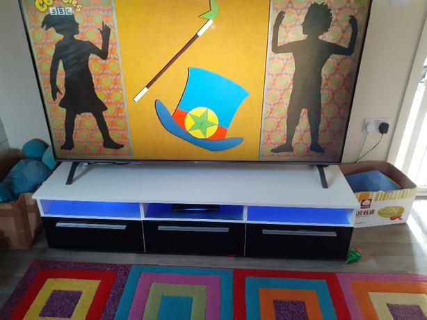led gloss tv unit and two side units