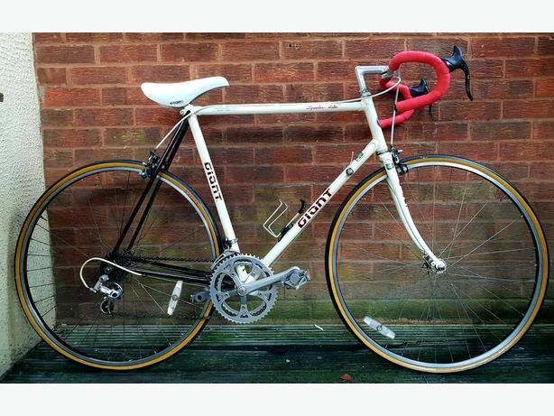 Giant Speedee lite racing vintage bike,12 gears,700c wheels