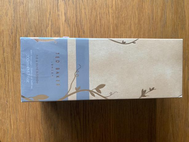 TED BAKER CANDLE AND DIFFUSER BNIB