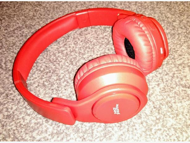 No Fear red Bluetooth headphones