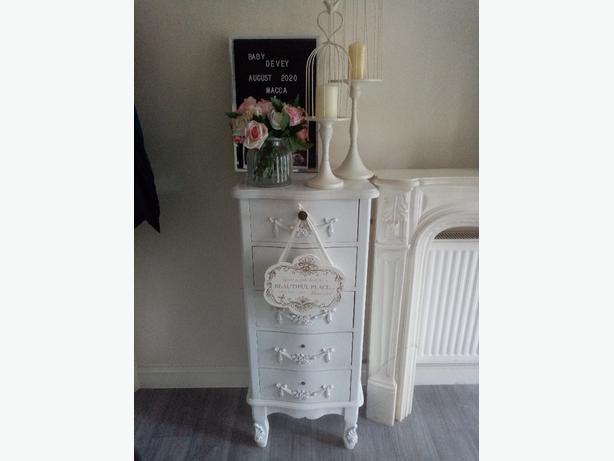 White 5 draw shabby chic drawers