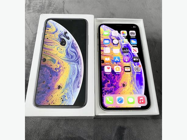 iPhone XS 64GB unlocked Silver Boxed