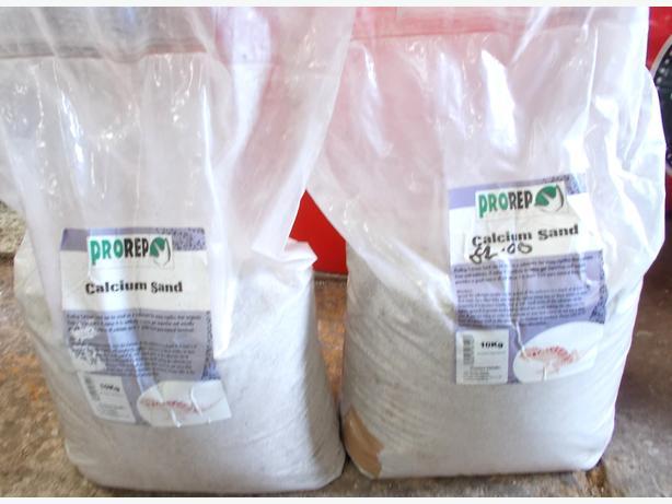 2 Bags of Calcium Sand 10kg each