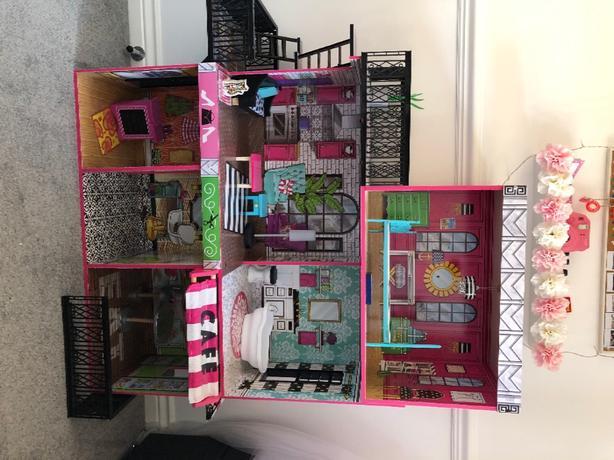 kidkraft Wooden Dolls House