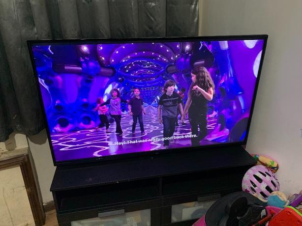 bush 55inch led ULTRA HD SMART TV 4k