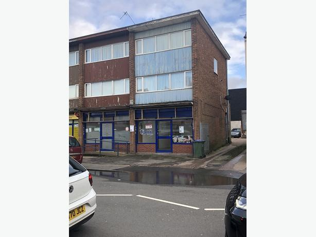 *B.C.H*-Double Front Retail Shop To Let-Causeway Green Rd, OLDBURY