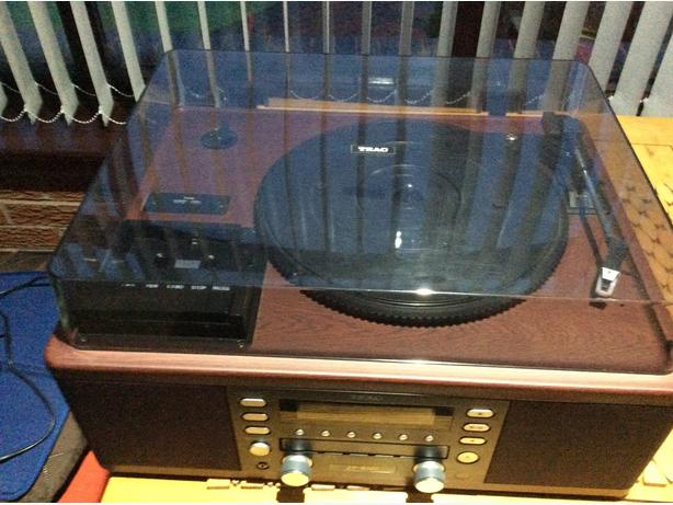 Teac vinyl player