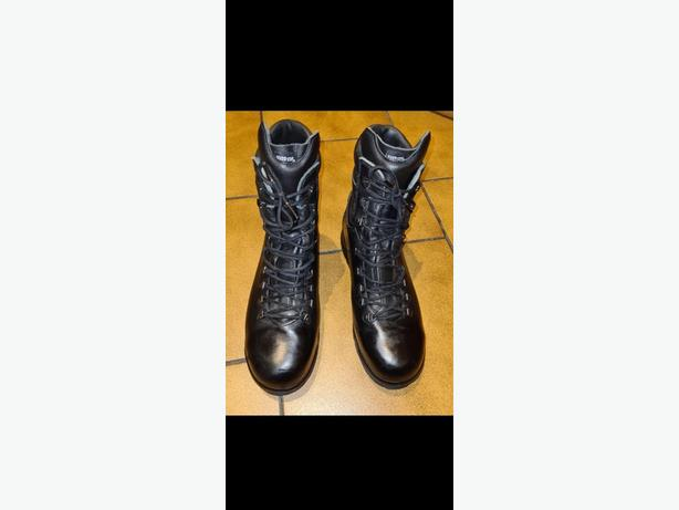 size 10, mens, Altberg peacekeeper P3 boots
