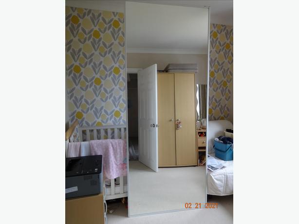 BEDROOM SLIDING MIRROR DOORS