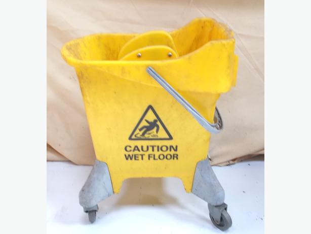 Mop Bucket With Wheels