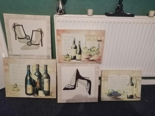 5 X canvass pics / wall art - delivery - £10 -