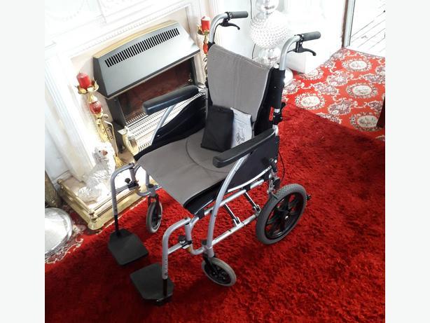 Wheel Chair, Like New.