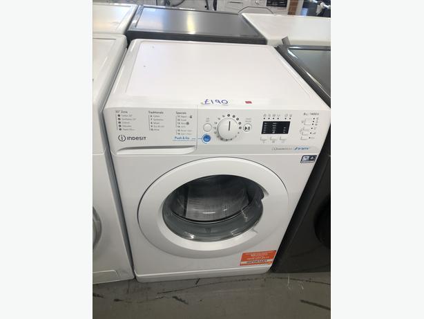 INDESIT 8KG WASHING MACHINE/ WASHER