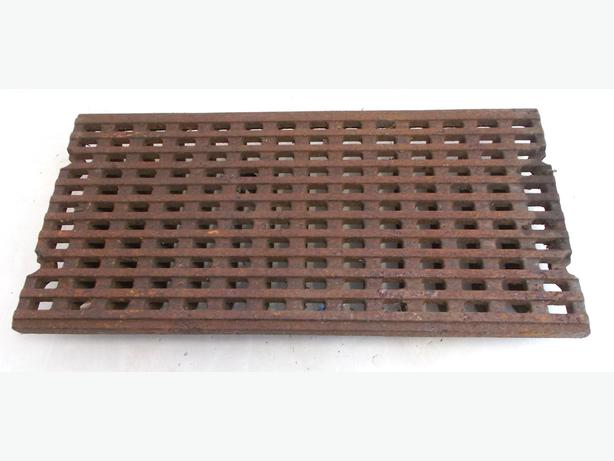 8x Cast Iron Heavy Duty Drainage Grids/Grills