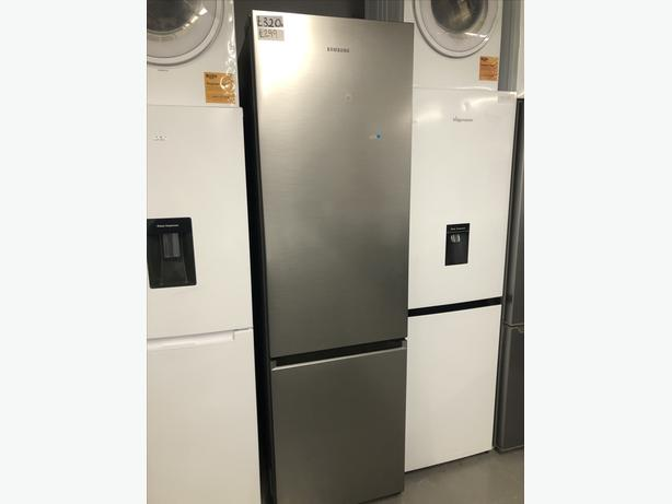 🇬🇧🇬🇧 REDUCED FROM £320 - SAMSUNG LARGE FRIDGE FREEZER- PLANET 🌎 APPLIANCE 🇬🇧🇬🇧