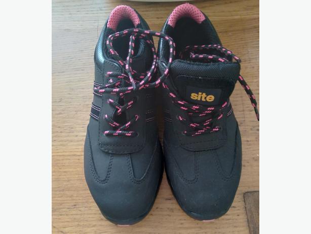 site dorain trainers size 4