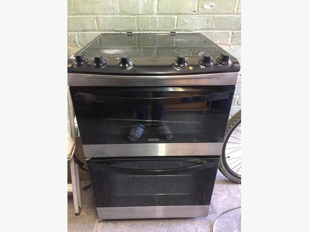 Electric Induction Cooker and oven (Zanussi)