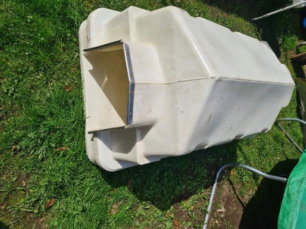 Dog kennel hard plastic