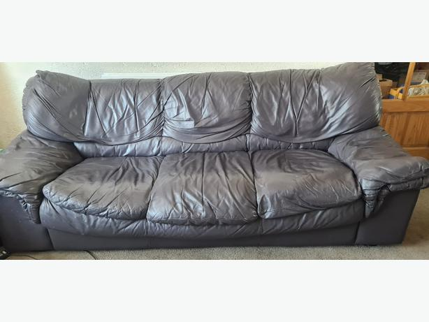 FREE: leather sofa suite