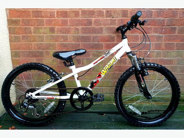 """Apollo Wham childs bike, 20""""wheels, 6 speed,front suspension"""