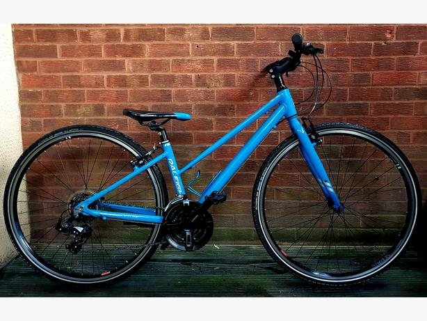 Raleigh Strada ladies/girls bike,21 speed,700c wheels,aluminium  frame
