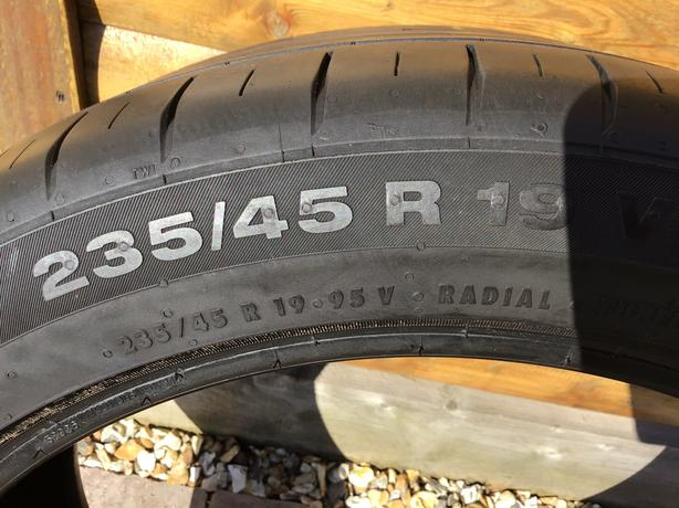 Continental Tyre 235/45/R19