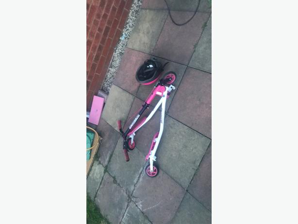 scooter+helmet