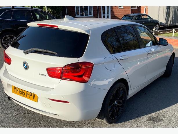 BMW 1 series 1.5 118i Sports (s/s) 5 door