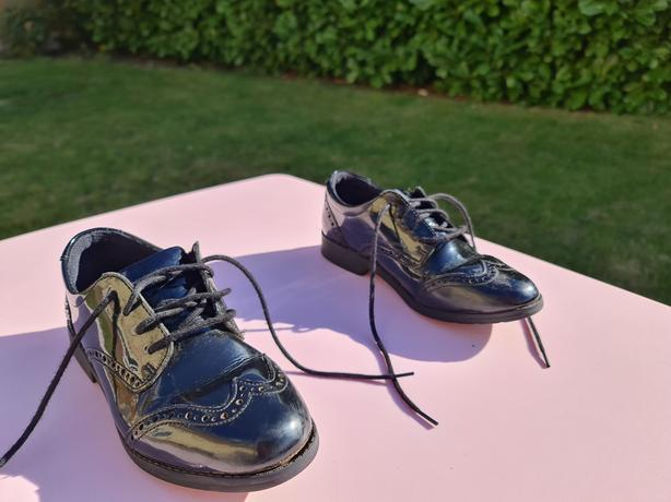 Clarks Patent Girl School Shoes Size 3.5G