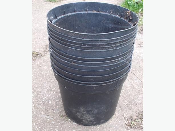 """Joblot of 12 Plant Pots 11"""" Diameter"""