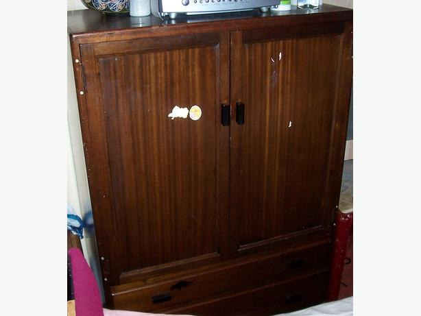 Wooden Cabinet, in good condition