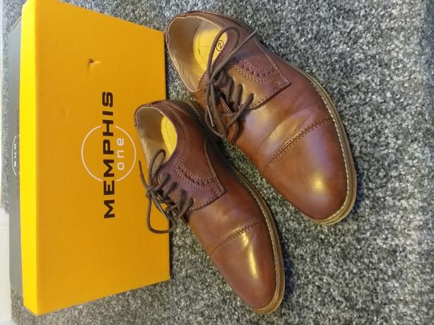 BOYS BROWN SHOES SIZE UK 2