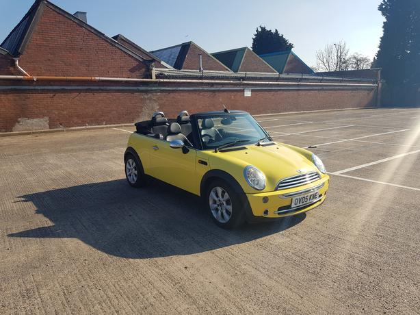 Automatic Mini cooper 1.6 convertable, full electric roof, drives great