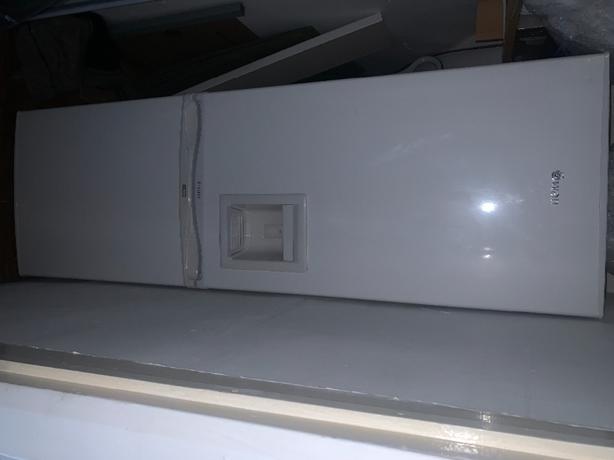 swan 5050 fridge freezer