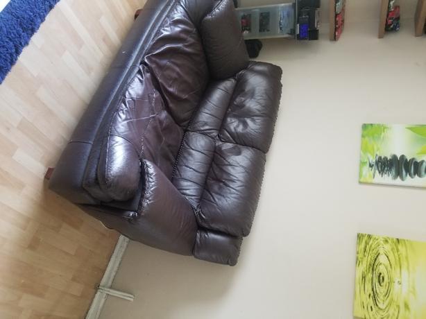 FREE: 2 seater settee
