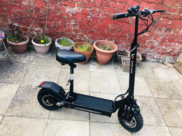 electric scooter 500w new only 6km