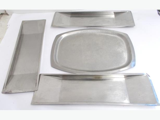 4 Serving Trays