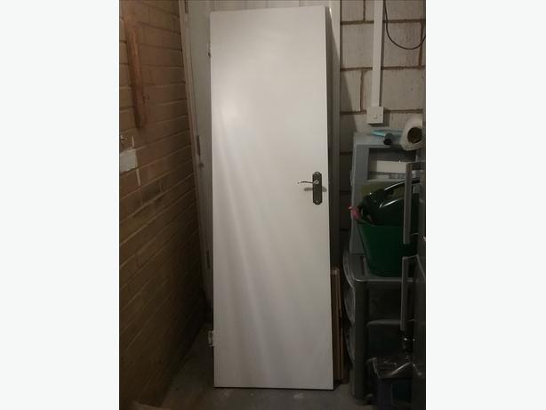 4 WHITE INTERIA  DOORS
