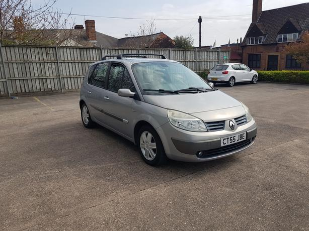 Automatic Renault Senic 1.6, long mot, very spacous drives great