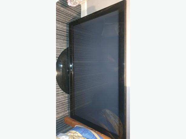 LG LCD TV EXCELLENT CONDITION