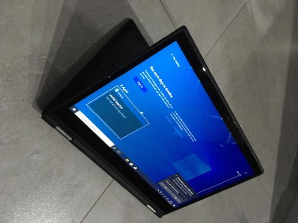 Lenovo Yoga x380 8th Gen Touchscreen i5 Octacore CPU SSD UHD Gaming Graphics