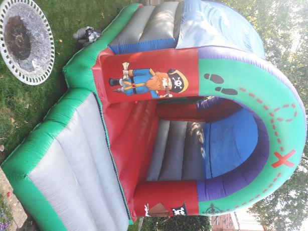 mels bouncy castle hire