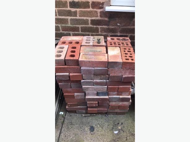 128 bricks ( new)