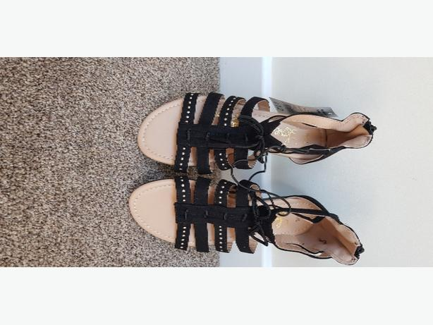 girls sandles size 3
