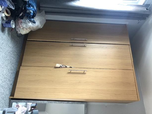 wardrobe, 2x chester draws and bedside cabinate