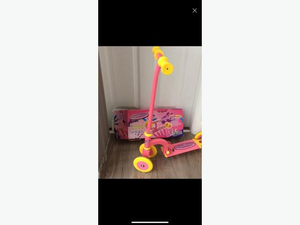 Child s 3 wheel scooter