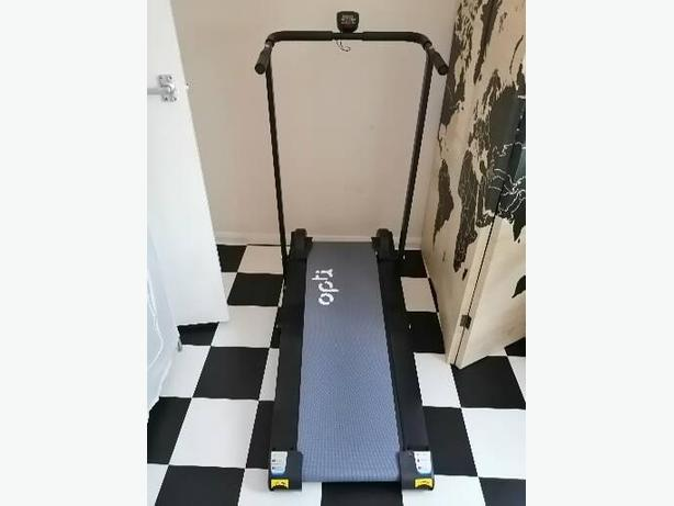 Bargain! 3 month old non motorised treadmill!