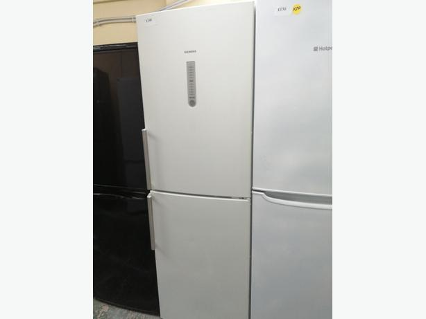 Siemens Fridge freezer 3 drawers 3 months warranty at Recyk Appliances